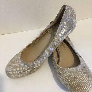 Jessica Simpson Tan Metallic Flats Size 6B